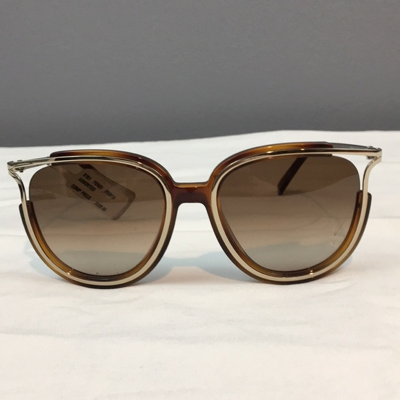 0ba6f00976b Women s FENDI Sunglasses (new with defect)